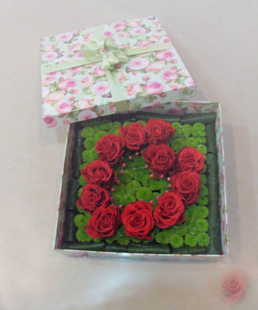Цветы в коробках №12